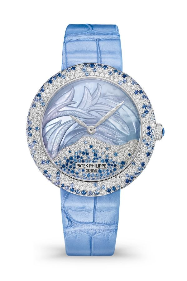 Diamonds and sapphires for this high jewellery Calatrava