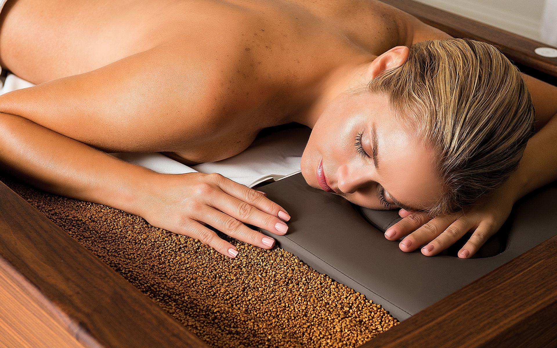 Review: Rolling In The Deep Release Of Mandarin Oriental KL's Hot Sand Therapy