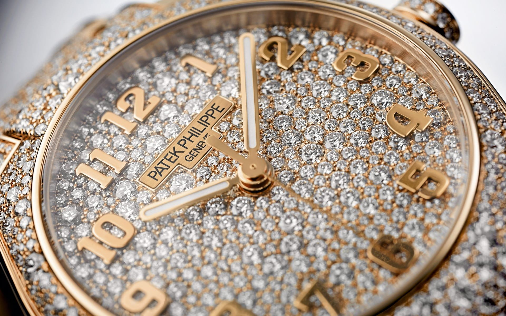 Patek Philippe Charms With Its New Feminine Timepieces