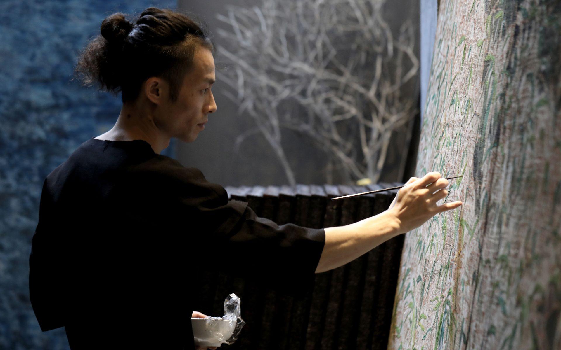 Chinese Artist Wu Guanzhen Recreates Mademoiselle Chanel's Favourite Coromandel Screens