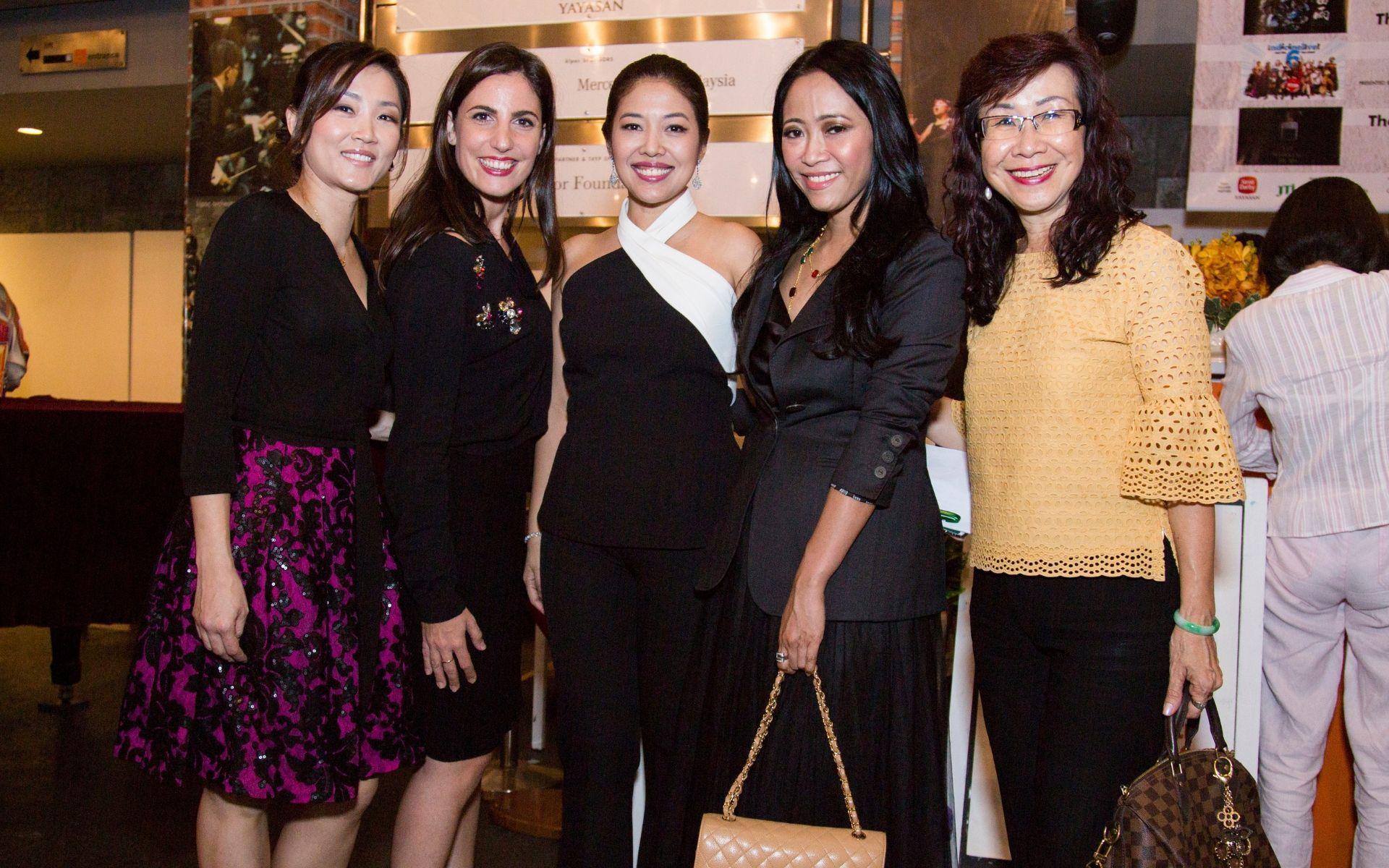 Clara Lim, Anna Cordini, Shirena Hamzah, Rozie Mastor and Florence Fang