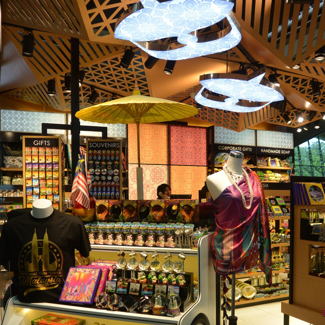 5 Stores At KLIA & KLIA2 To Find The Best Malaysian Souvenirs For All Occasions