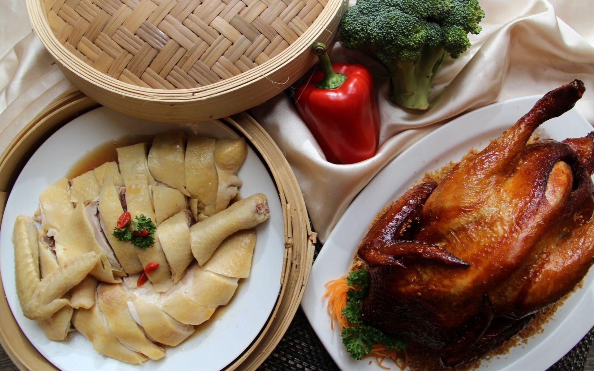 Organic village chicken at Zuan Yuan restaurant.  (Photo: Courtesy of One World Hotel)
