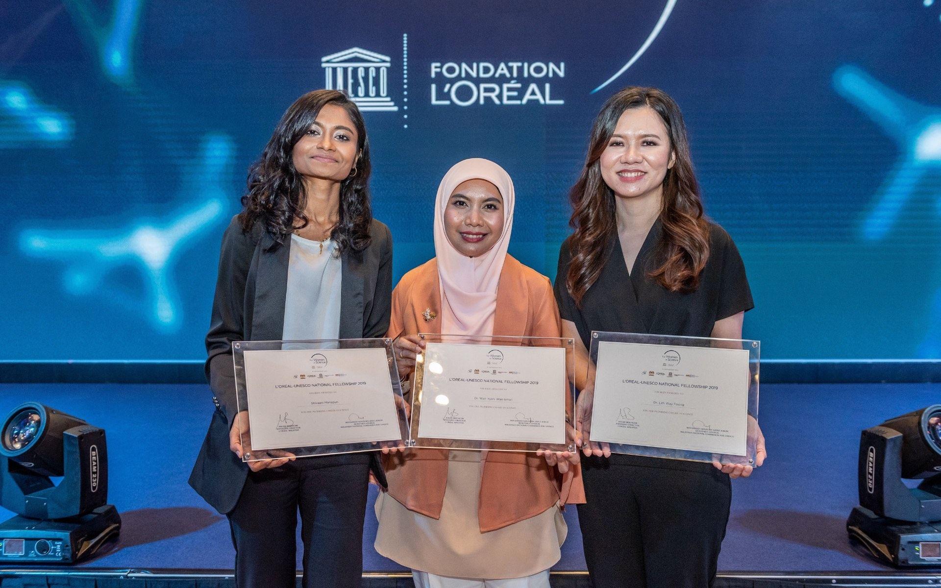 Shivaani Mariapun, Dr Wan Iryani Wan Ismail and Dr Lim Way Foong