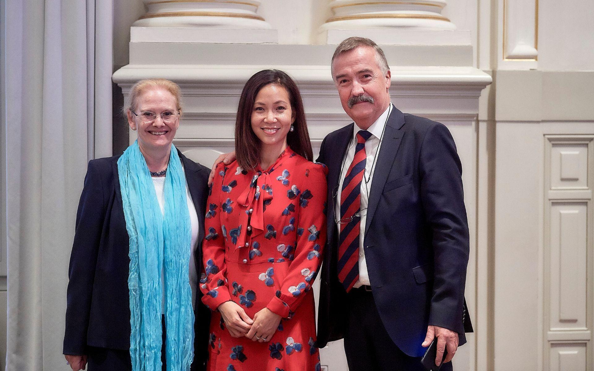 Aplicar Cantidad de rosado  Award-Winning Malaysian Scientist Dr Serena Nik-Zainal Speaks Up ...