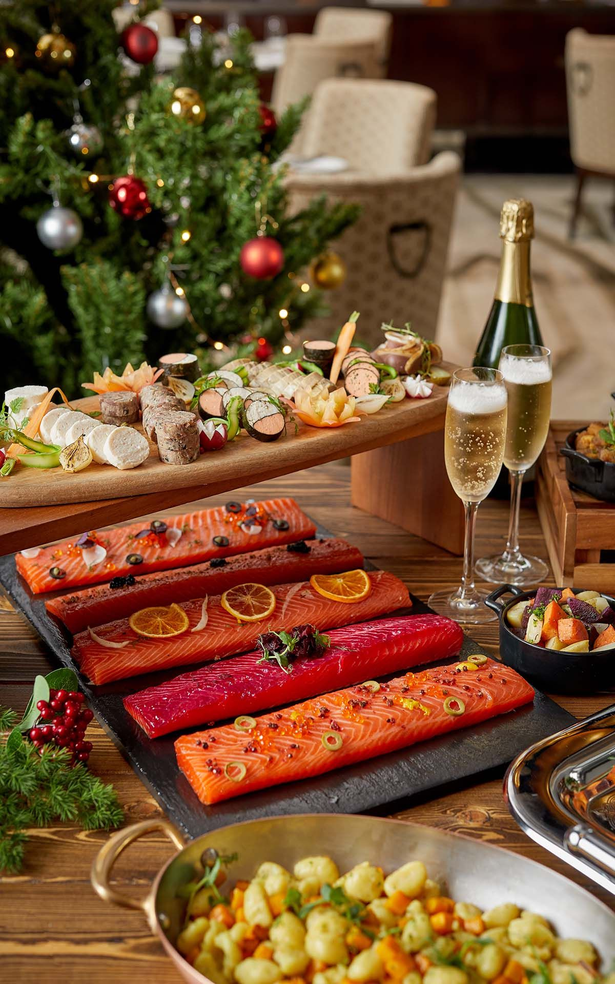 Mandarin Oriental Christmas Buffet 2020 The Ultimate Guide To New Year's Eve Dinner & Where To Count Down