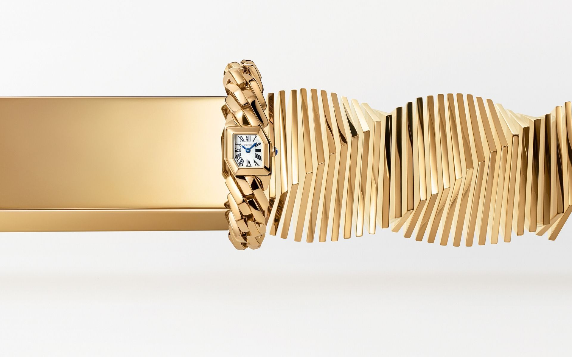 Maillon de Cartier Gives Bracelet Watches An Architectural Twist