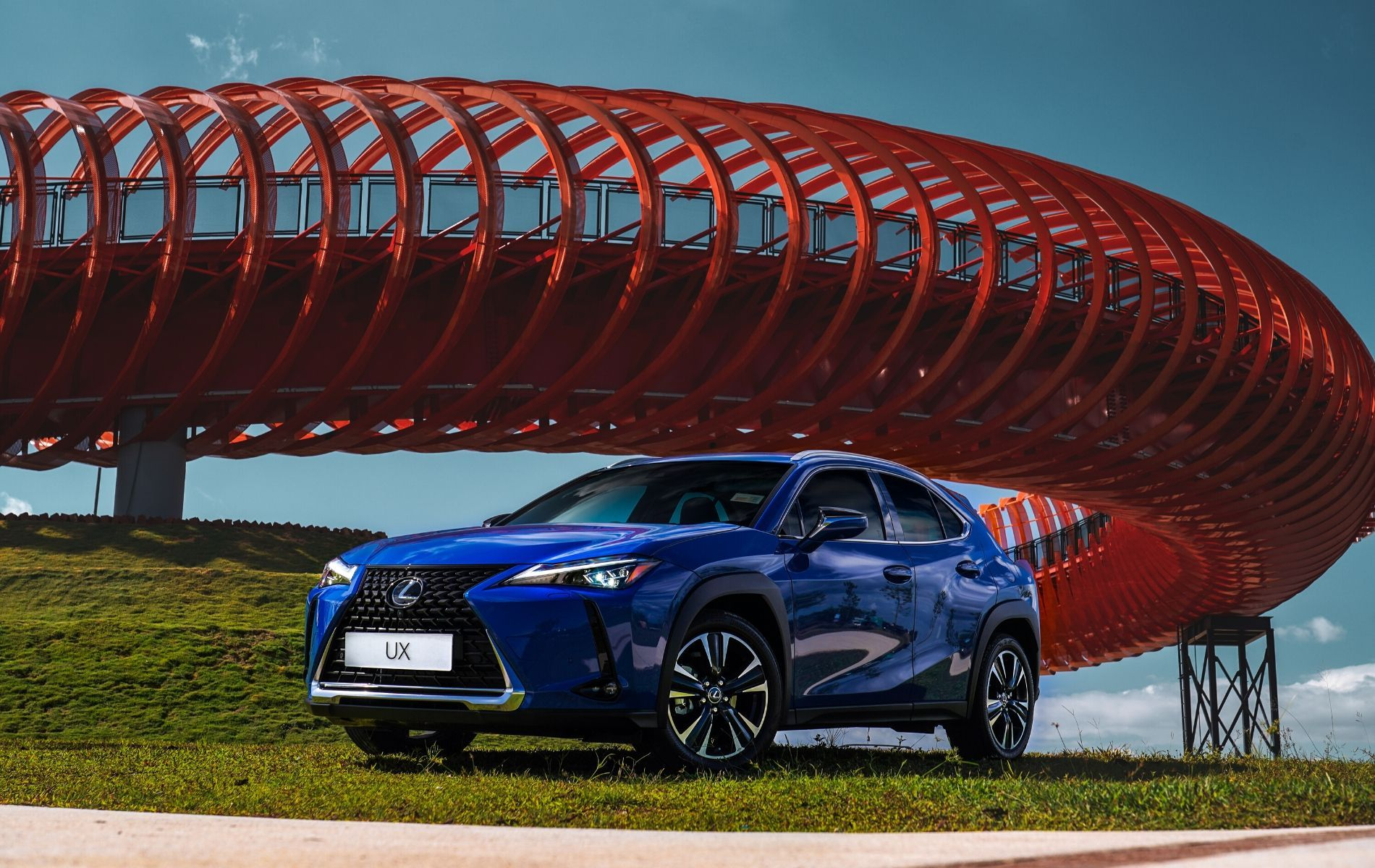 Why The New Lexus UX 200 SUV Makes Driving A Real Pleasure