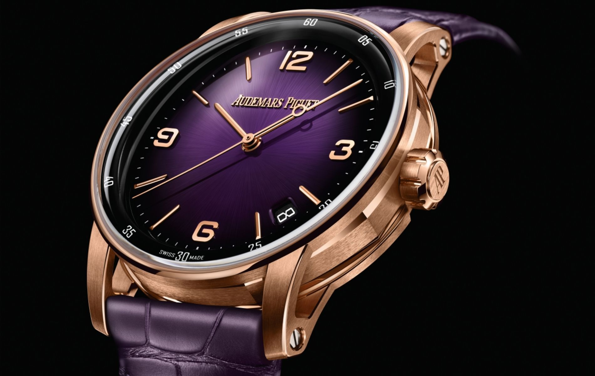 Self-winding in 18k pink gold with smoked purple dial