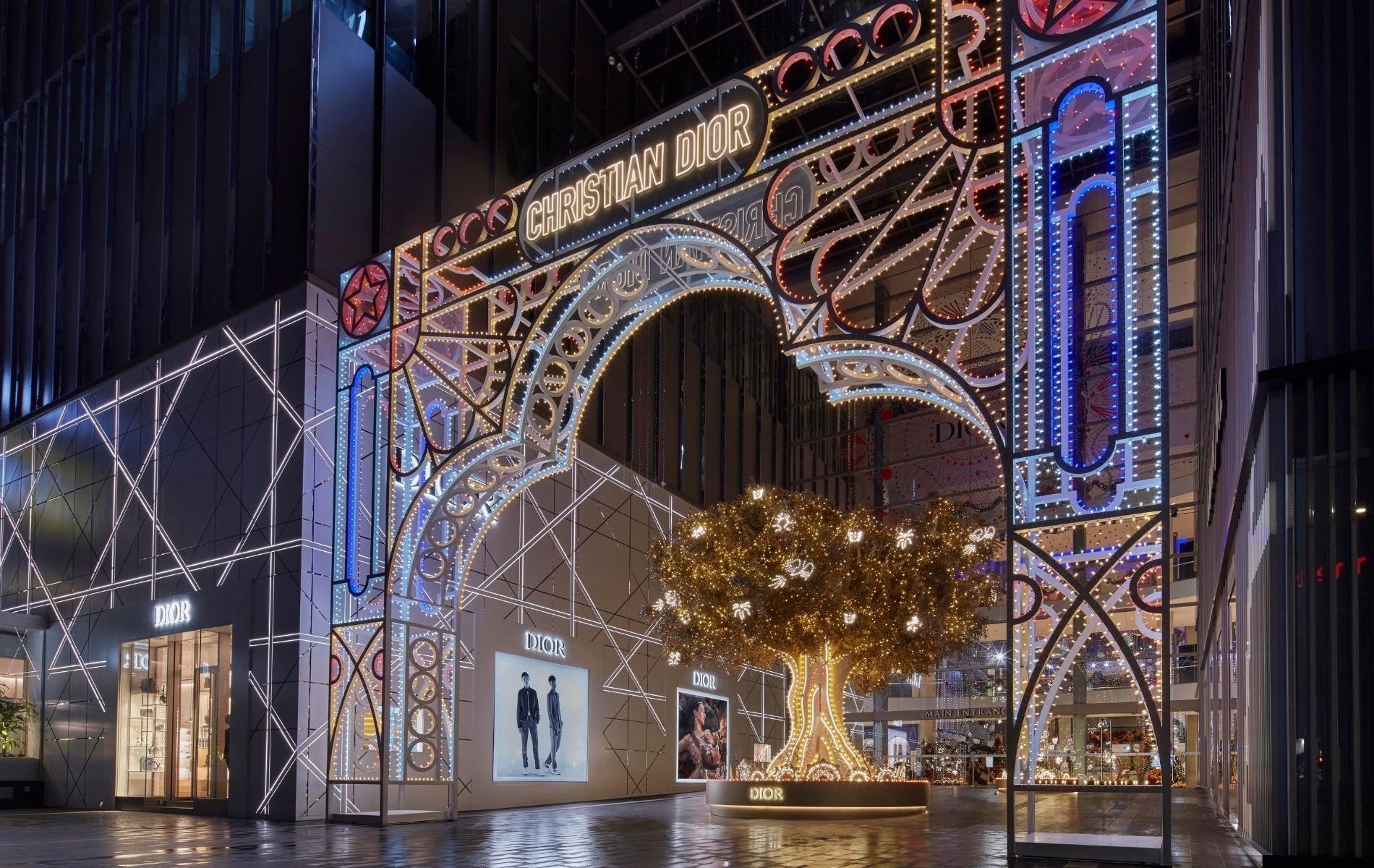 The Dior Christmas Tree Lights Up Pavilion Kuala Lumpur For The Holiday Season