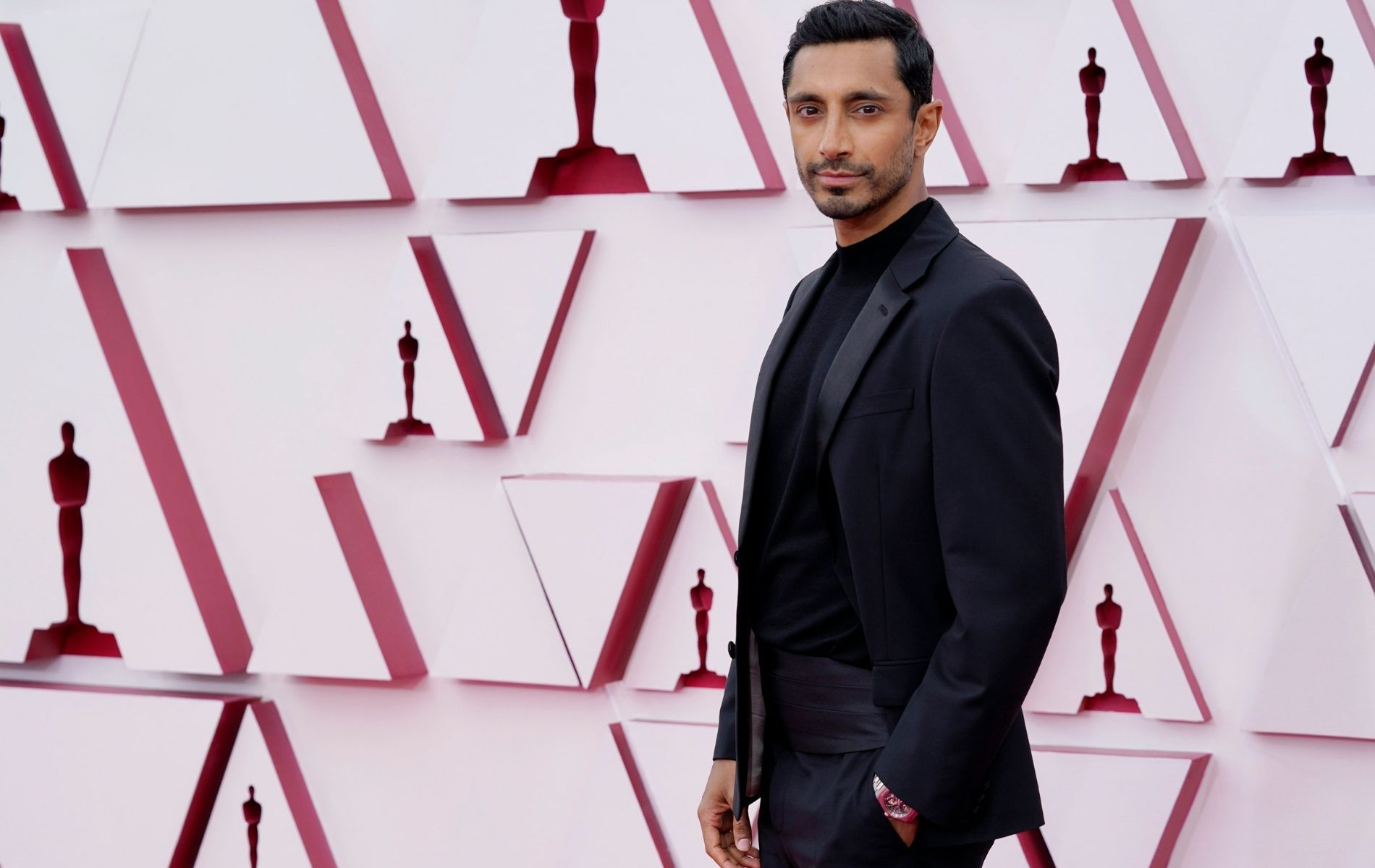 Riz Ahmed at Oscars 2021 red carpet (Photo: Getty Images)