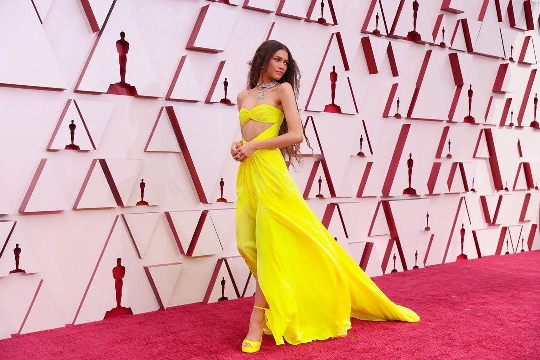 Zendaya at Oscars 2021 red carpet (Photo: @theacademy/Instagram)