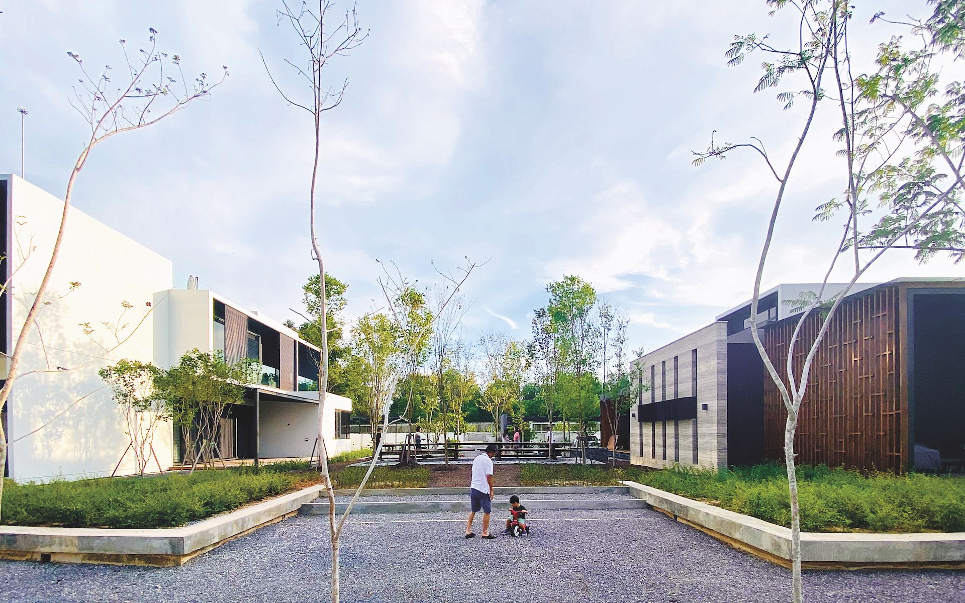 Common courtyards were created as spaces for the whole family to interact