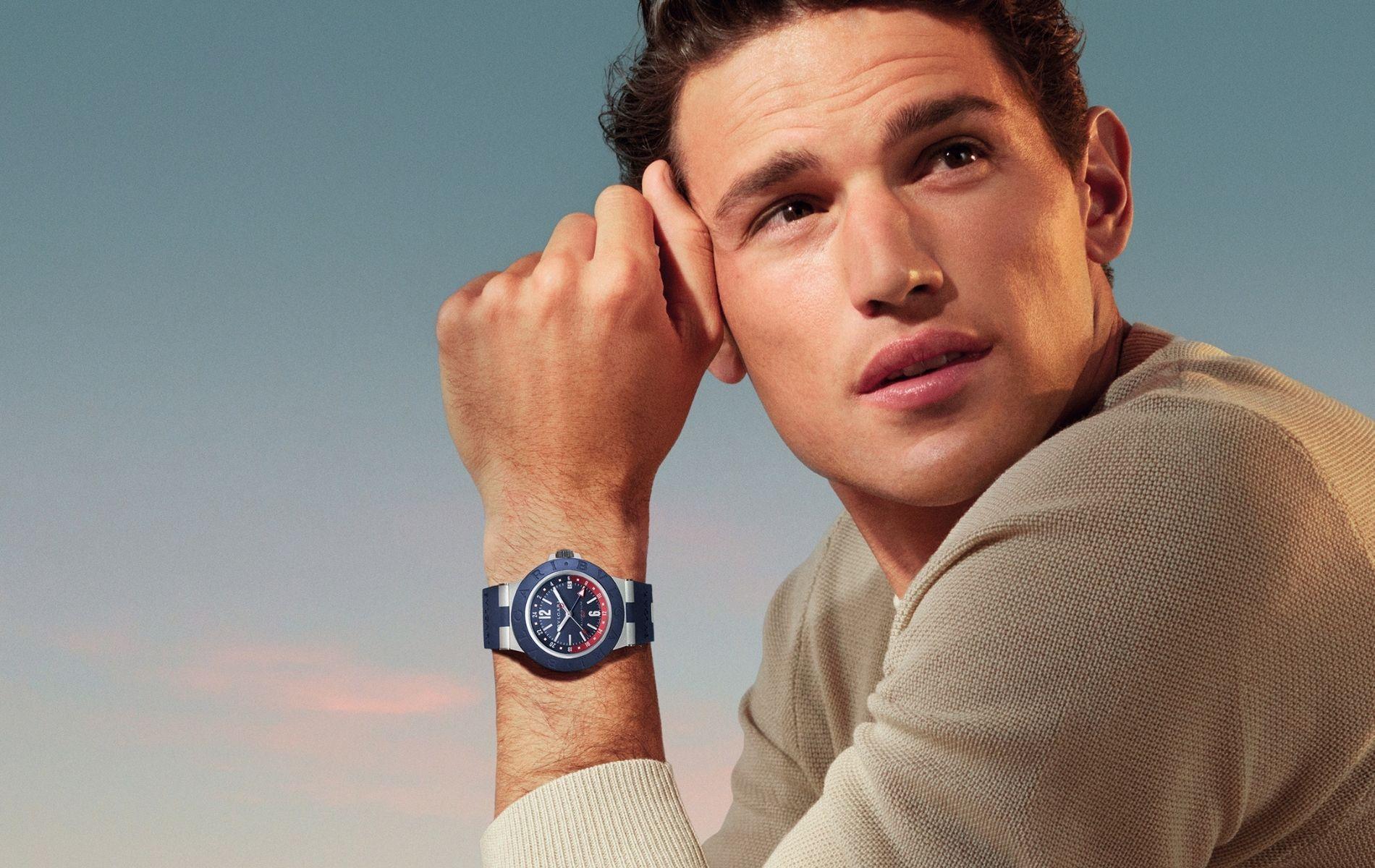 Model wearing the new Bulgari Aluminium GMT
