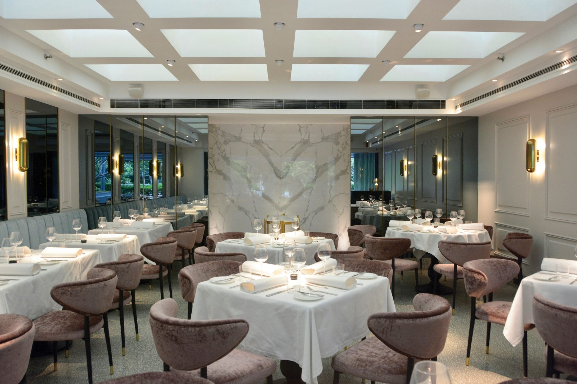 Dining by Design: 4 Restaurants With Commendable Interiors