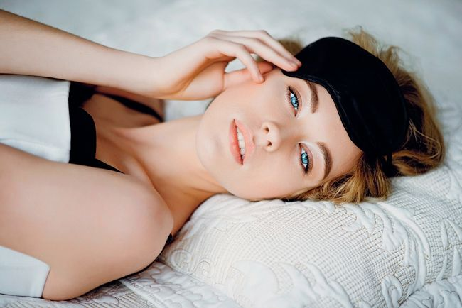 Sleeping Beauty: How to Look Your Best Overnight
