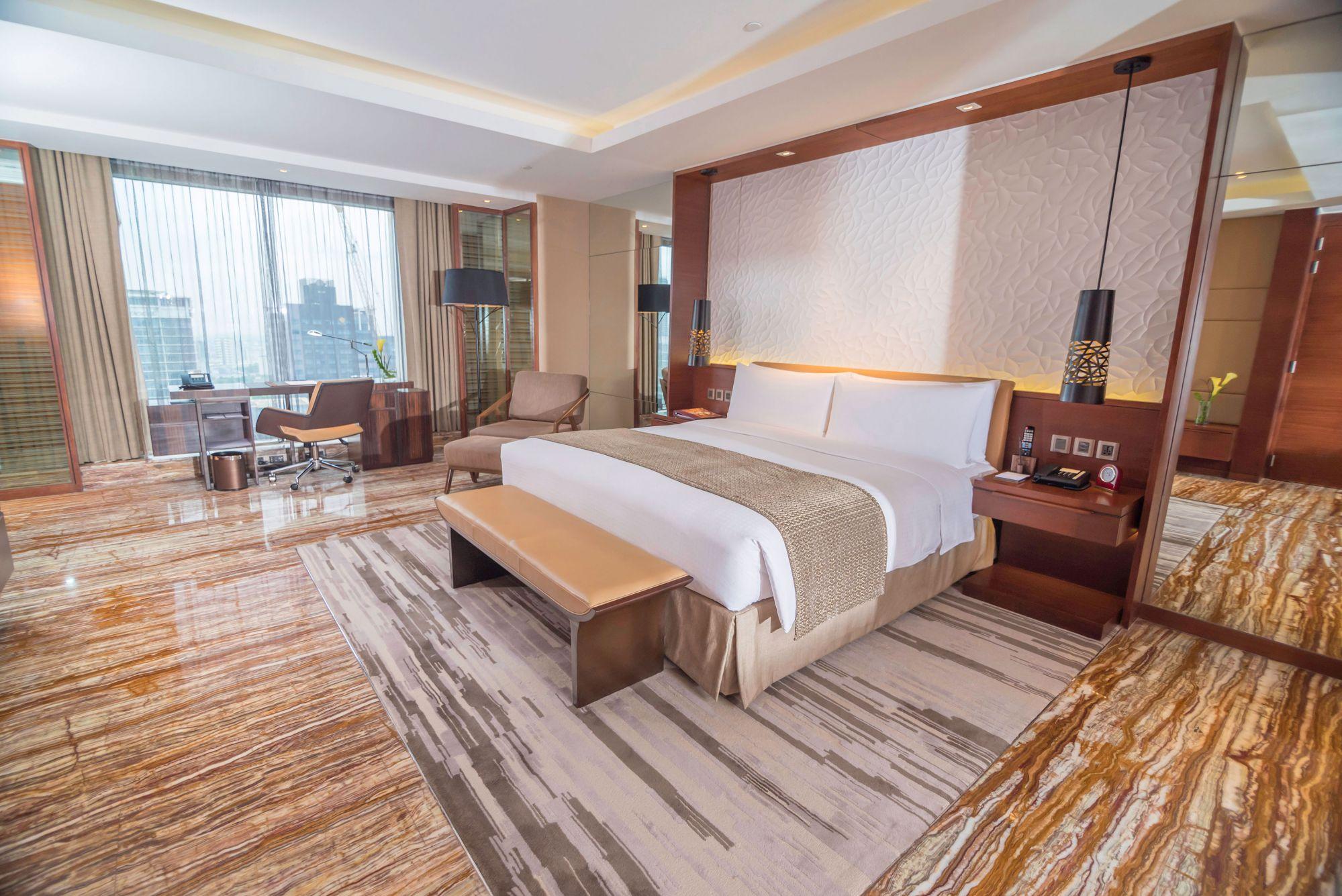 Forbes Hands Marco Polo Ortigas Manila Its Third 5 Star Hotel Award