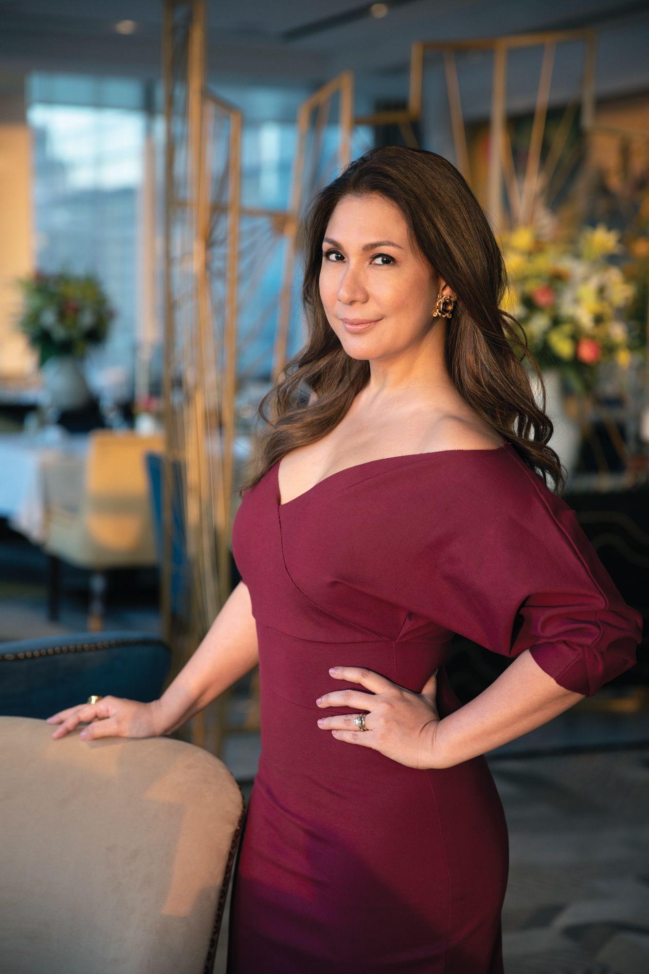 Style Profile: Julie Jalandoni-Boschi