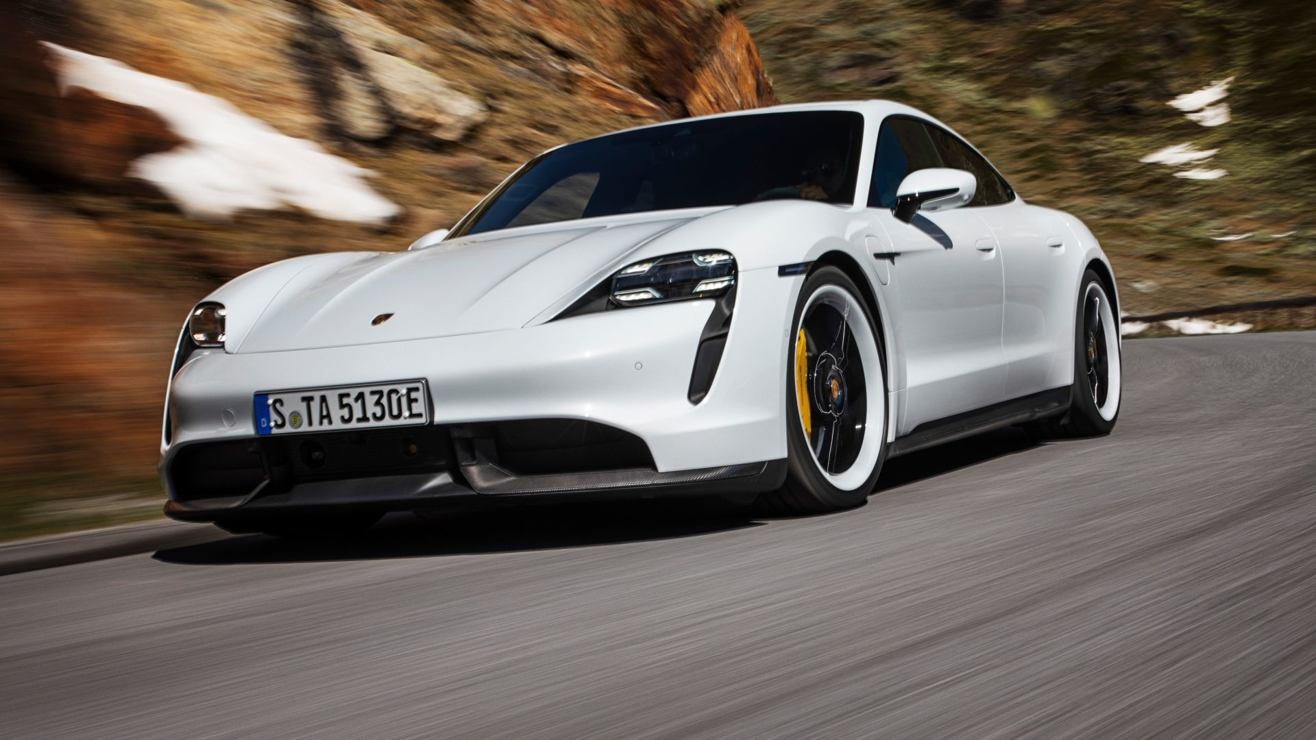 Porsche Unveils First All-Electric Sports Car: the Taycan