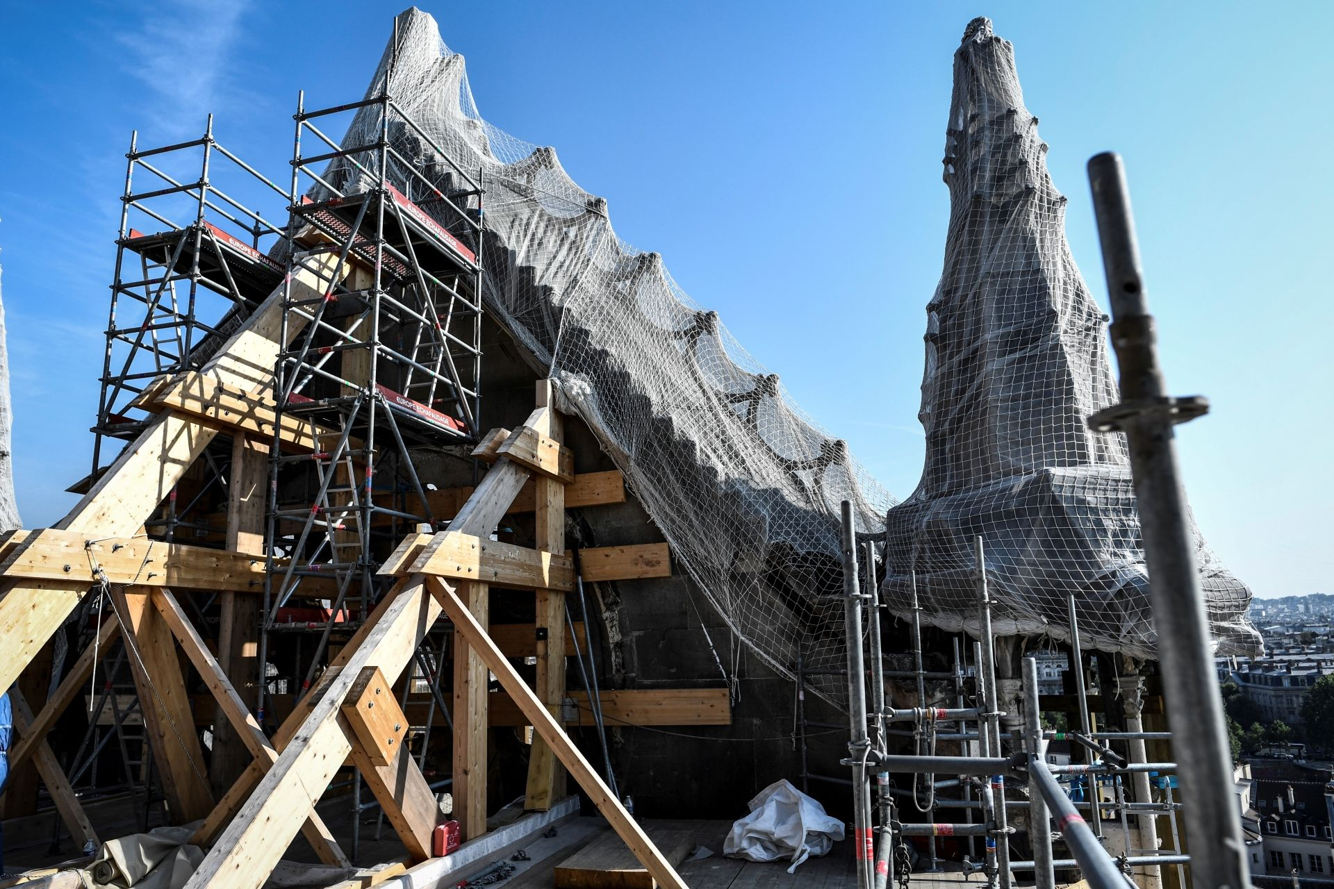 Six months after the April 15 fire that tore through the roof of the 13th-century Paris cathedral and toppled its spire, the reconstruction process is shaping up to be much more complex than many anticipated.  © STEPHANE DE SAKUTIN / POOL / AFP
