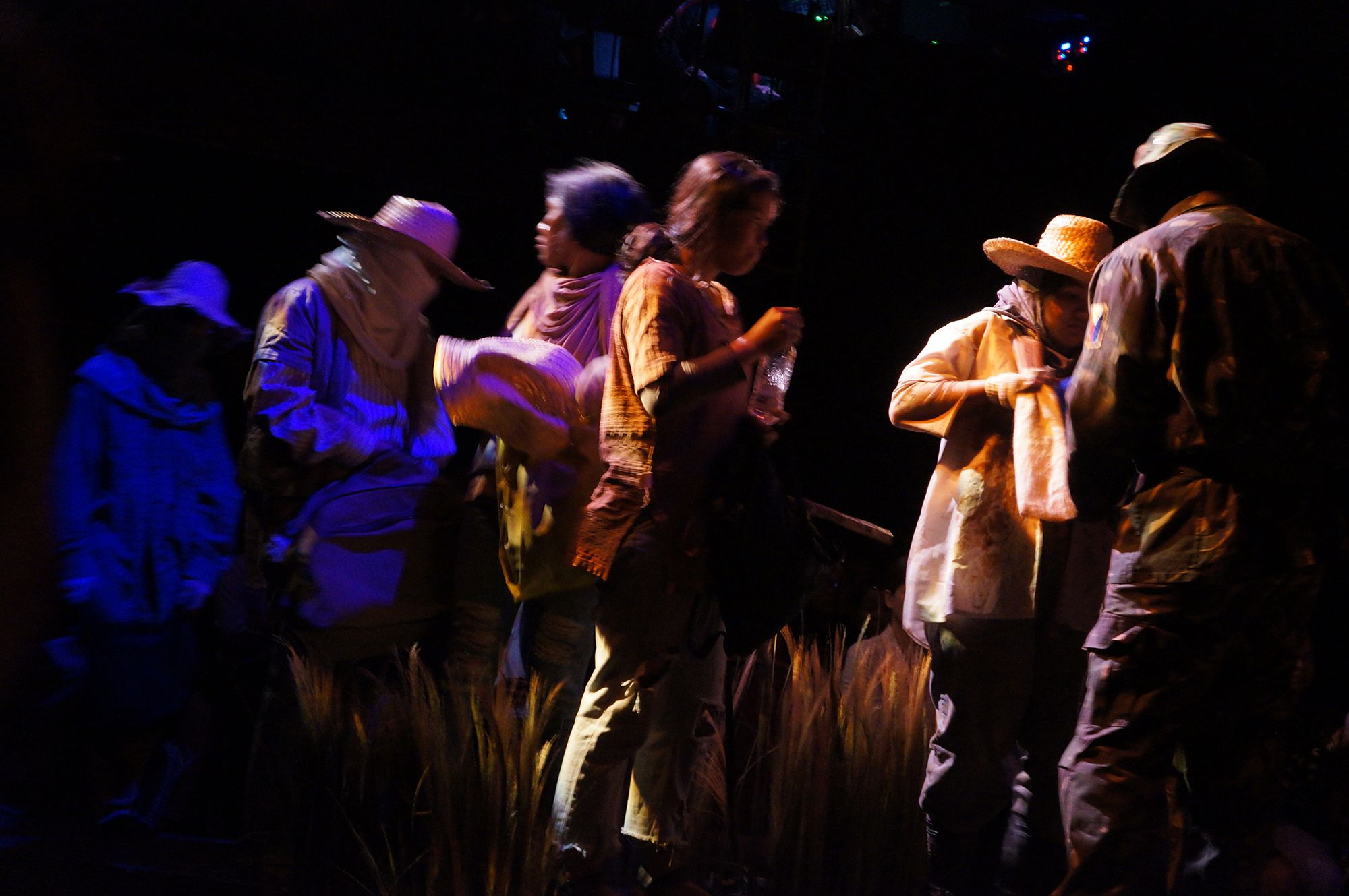 "Tanghalang Pilipino's Adaptation of Steinbeck's ""Of Mice And Men"" Sheds Light on Filipino Farmers' Plight"
