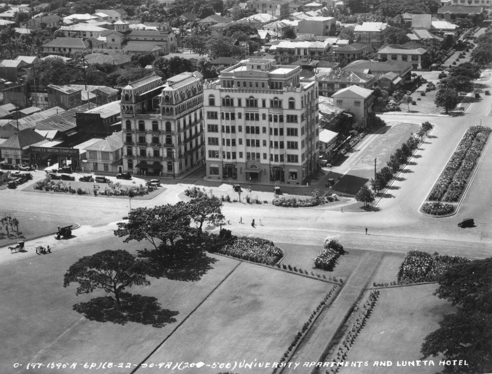 Designed by Spanish architect Salvador Farre and styled as French Renaissance, the Luneta Hotel on Kalaw Avenue was built in 1919. In the photo: Aerial photo of the Luneta hotel in 1930, to the left of the no-longer existing University Apartments | Photo by: JL Highfill / San Diego Air and Space Museum Archive