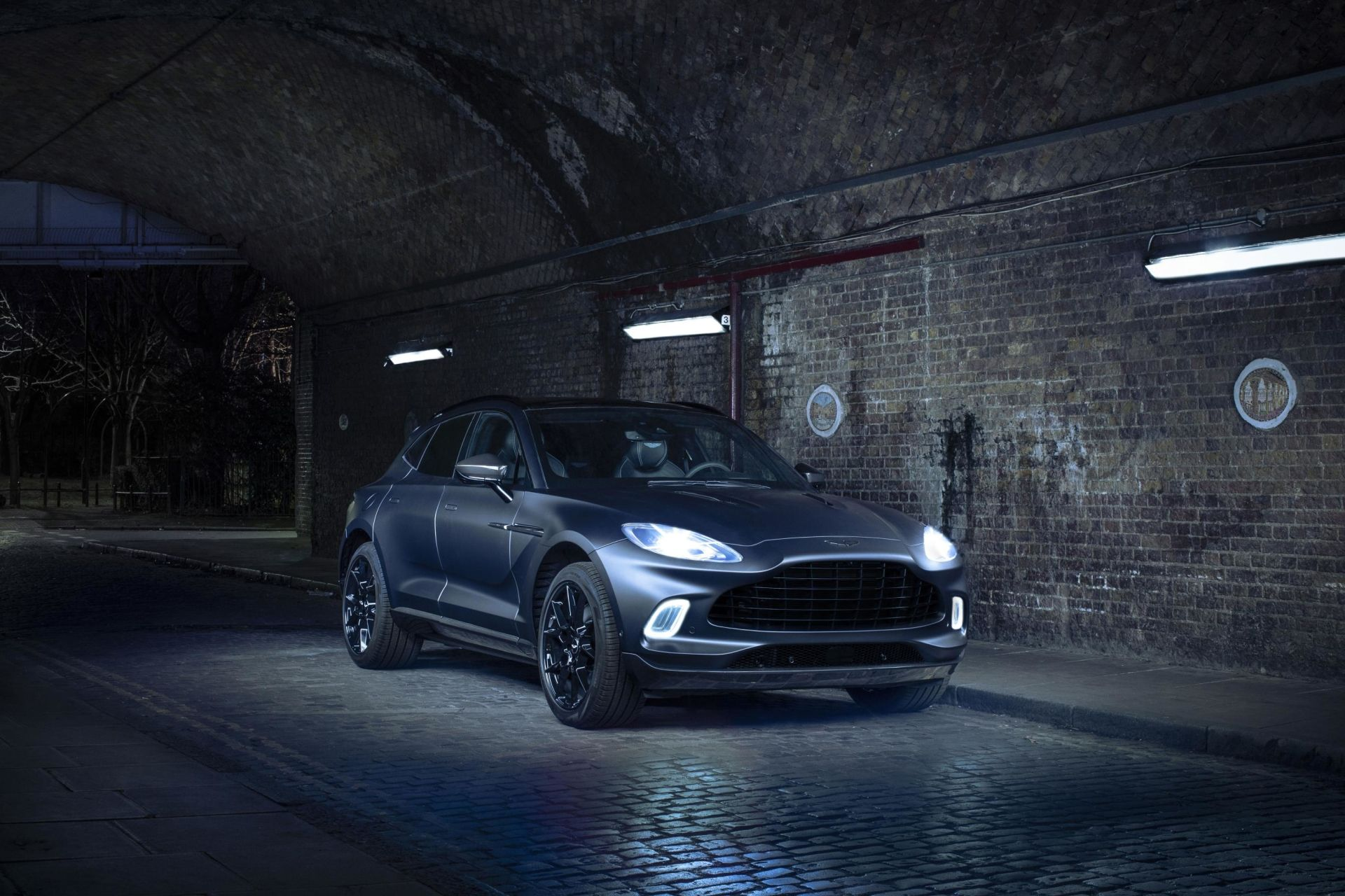 Aston Martin DBX Gets Dark, Sinister Look For Geneva Auto Show