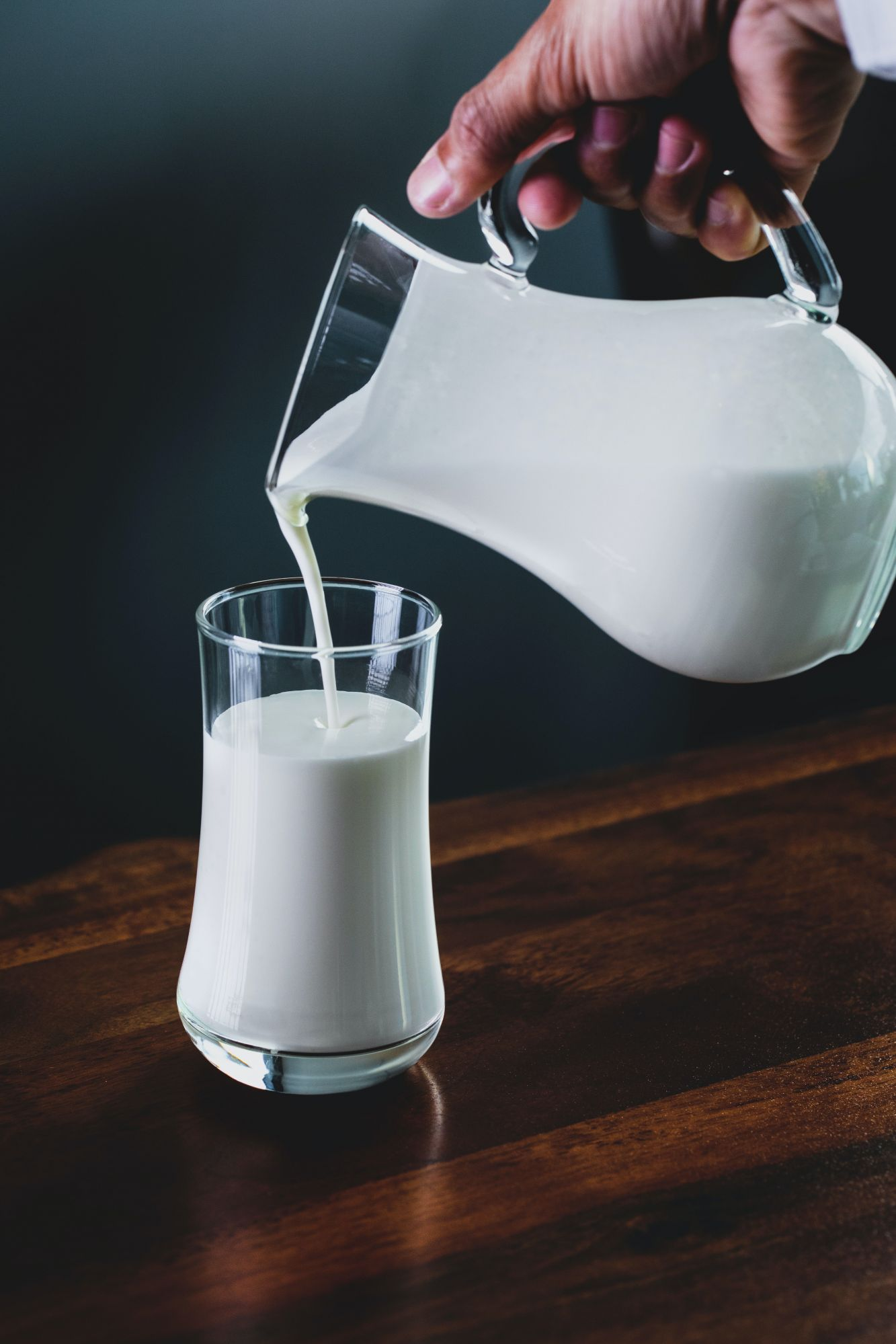 5 Milk Substitutes: The Good, The Bad, And The Most Nutritious