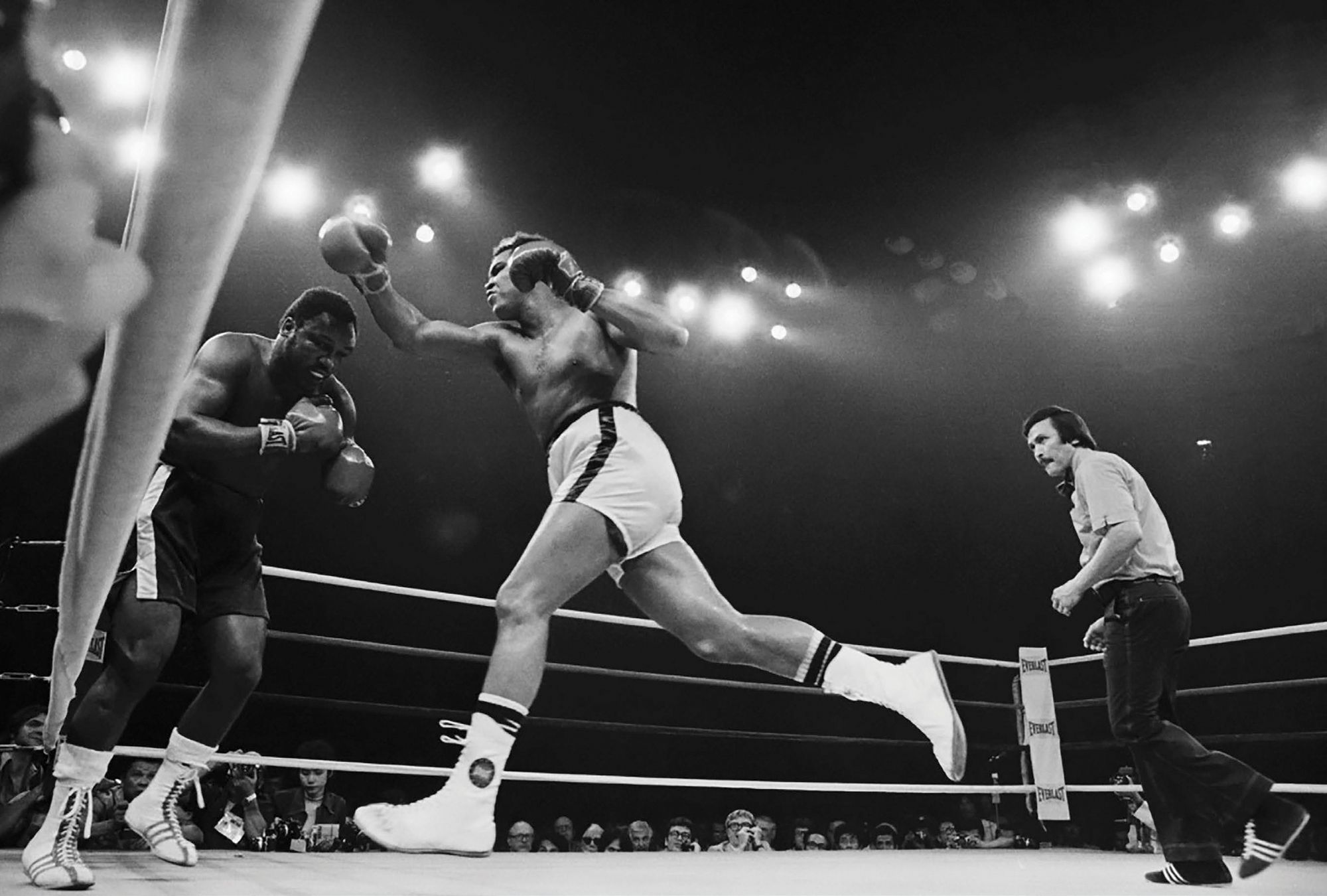 """Muhammad Ali vs Joe Frazier: How """"Thrilla In Manila"""" Became The Most Legendary Boxing Match in History"""