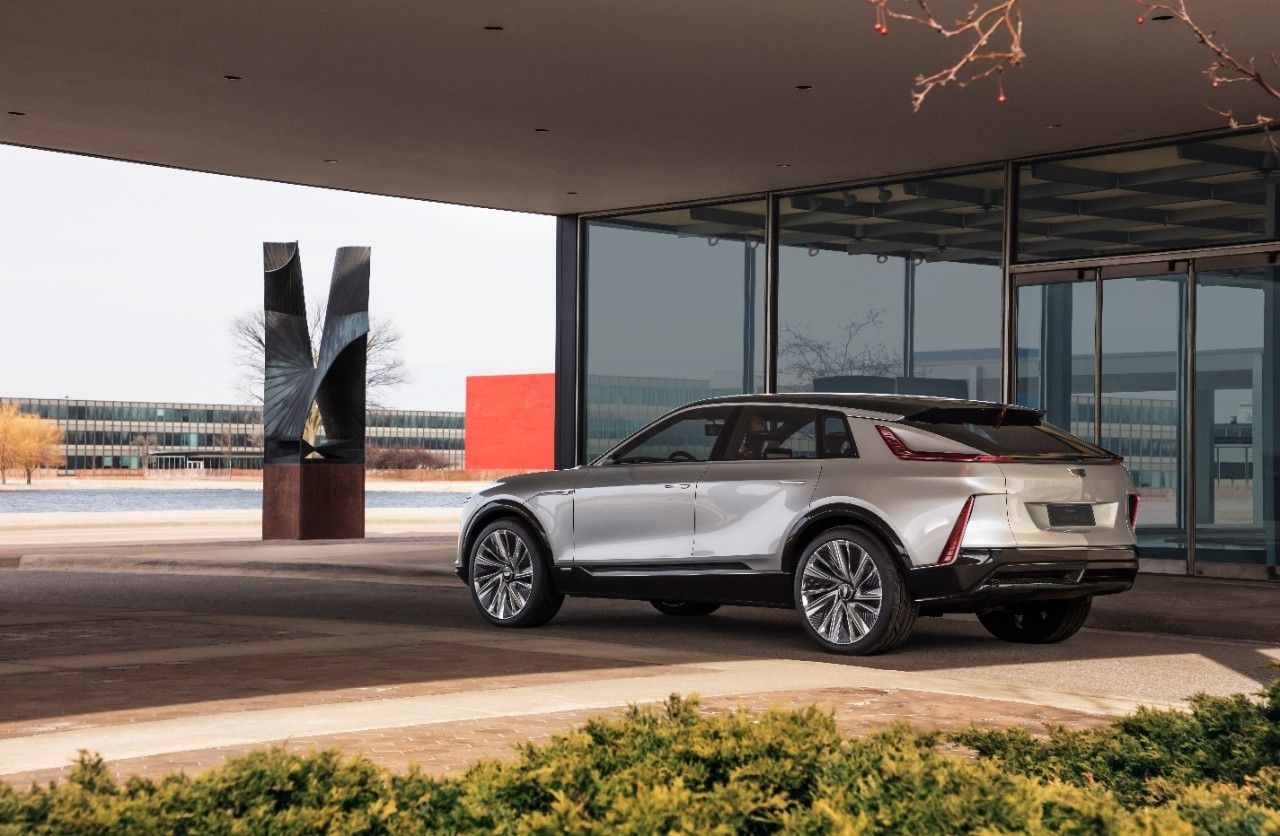 Cadillac LYRIQ pairs next-generation battery technology with a bold design statement which introduces a new face, proportion and presence for the brand's new generation of EVs.Images display show car, not for sale. Some features shown may not be available on actual production model.