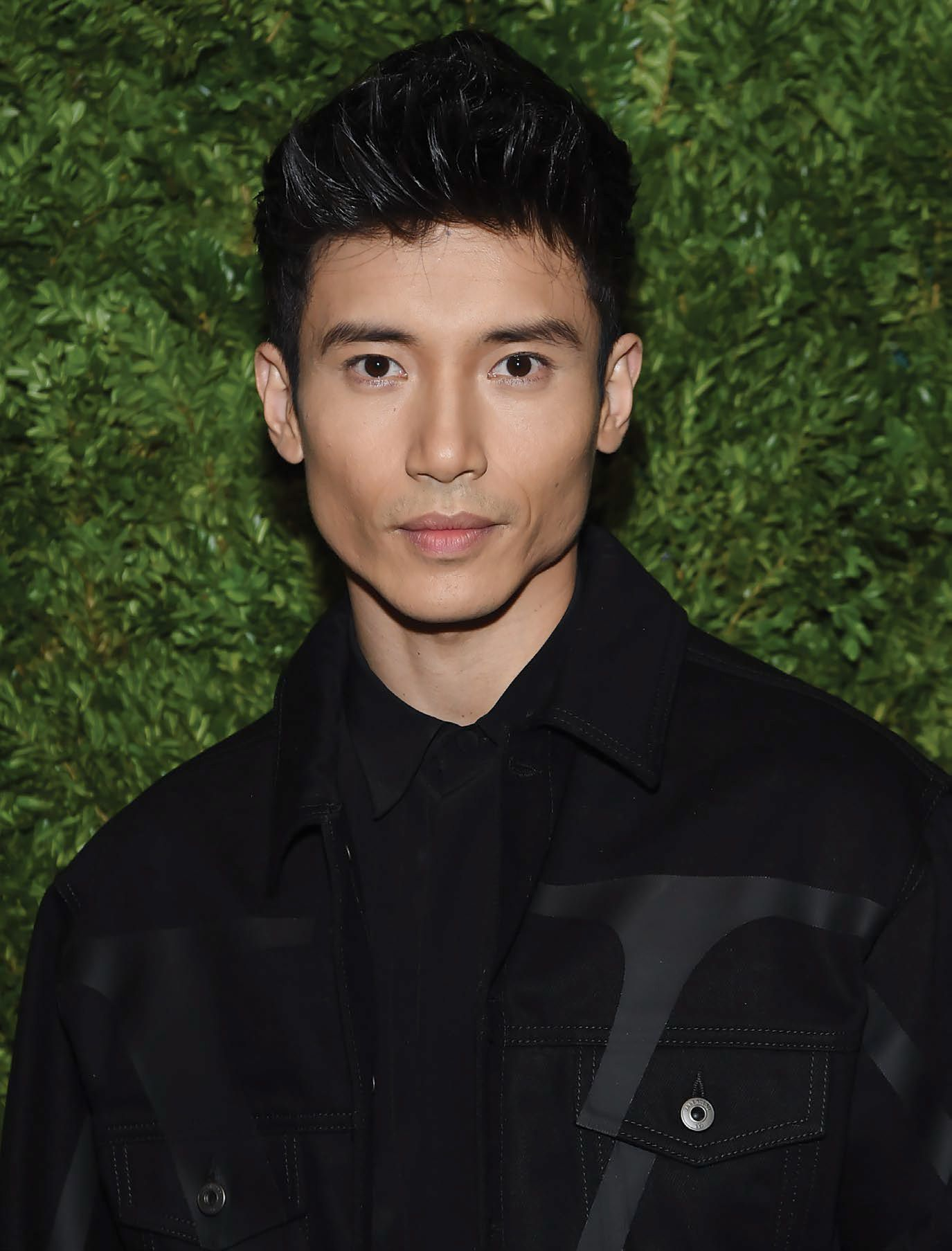 NEW YORK, NEW YORK - NOVEMBER 04: Manny Jacinto attends the CFDA / Vogue Fashion Fund 2019 Awards at Cipriani South Street on November 04, 2019 in New York City. (Photo by Jamie McCarthy/Getty Images)