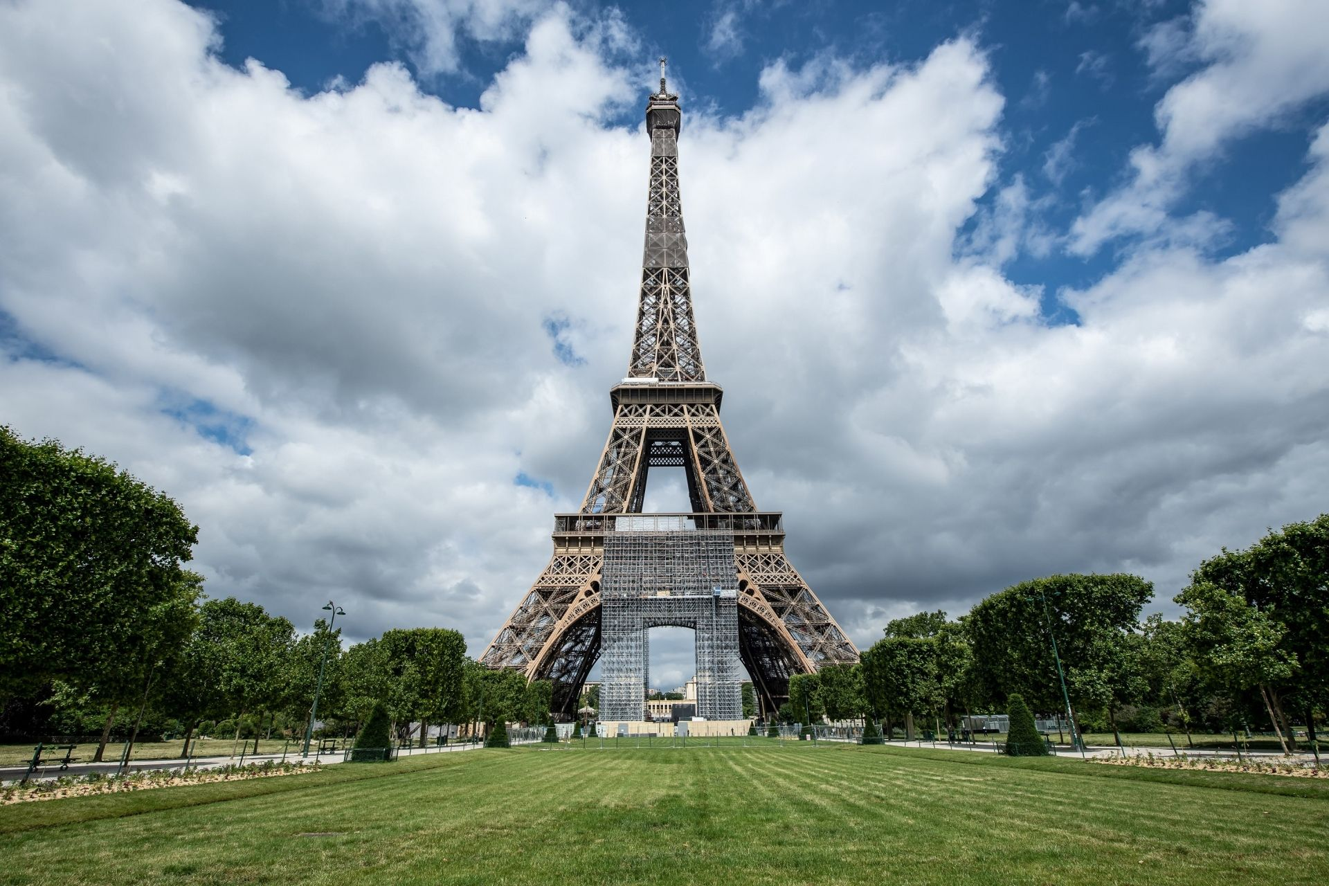 Picture of the Eiffel tower taken on June 15, 2020 in Paris, ahead of its partial reopening to the public as France eases lockdown measures taken to curb the spread of the Covid-19 pandemic (novel coronavirus). (Photo by BERTRAND GUAY / AFP)