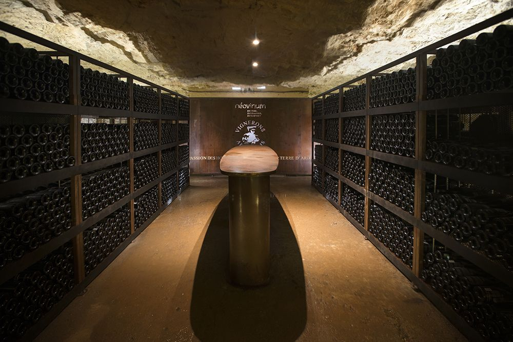 Ardèche winemakers have stored 10,000 bottles at a depth of 50 meters in the Aven d'Orgnac cave system.  © Vignerons Ardèchois