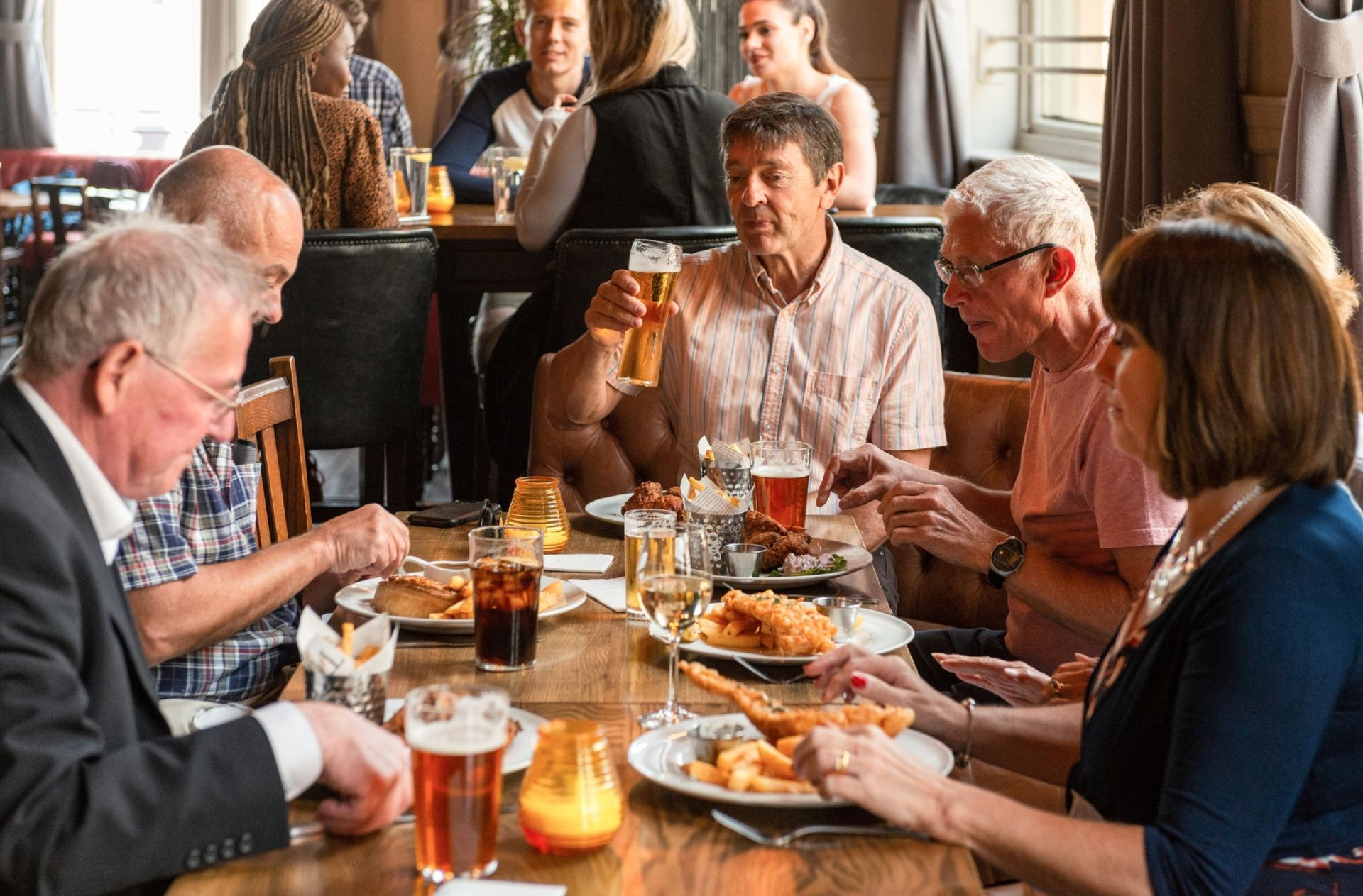 The English eat at 7 pm on average, pipped to the dinner table by the Dutch.  © georgeclerk / IStock.com