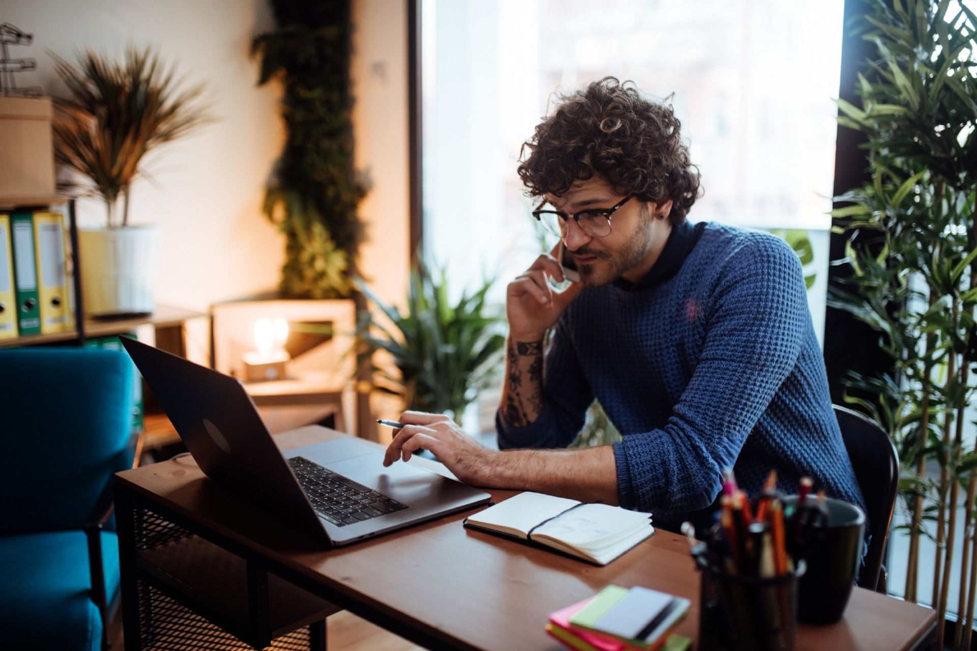 French National Library, the BnF, is allowing home office workers to brighten their video conferences with artistic desktop wallpapers.  © Anchiy / IStock.com