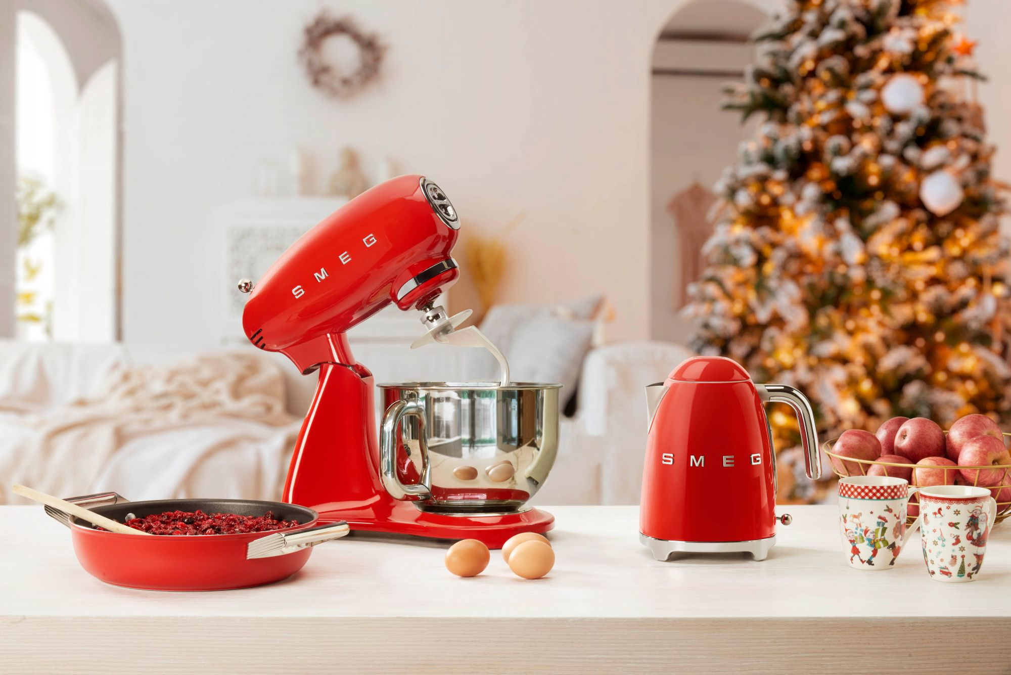 Coffee Grinder, Citrus Juicer, Milk Frother: 6 Must-Have SMEG Appliances To Buy Before The Year Ends