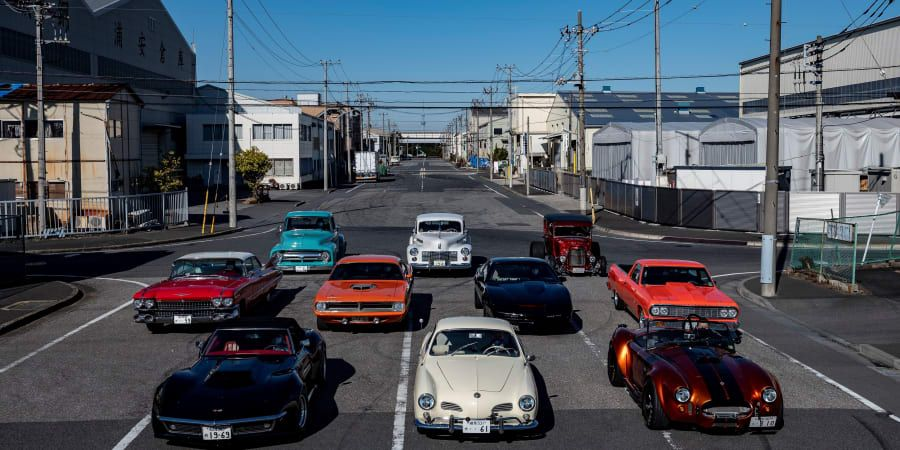 """Tokyo's """"Old But Gold"""" Retro Car Owners Revel In Modern Classics"""