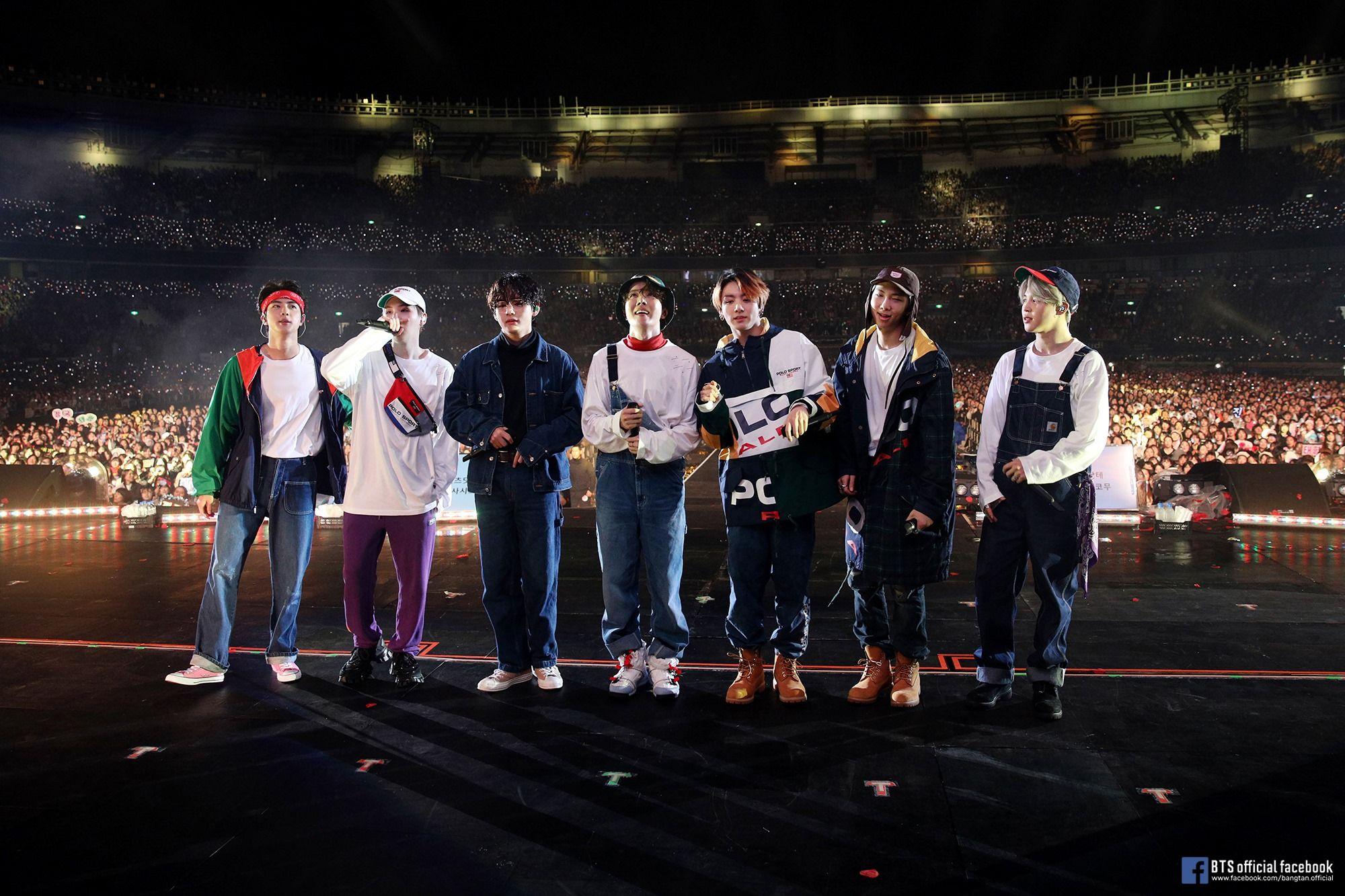 In concert | Photo: BTS Official Facebook