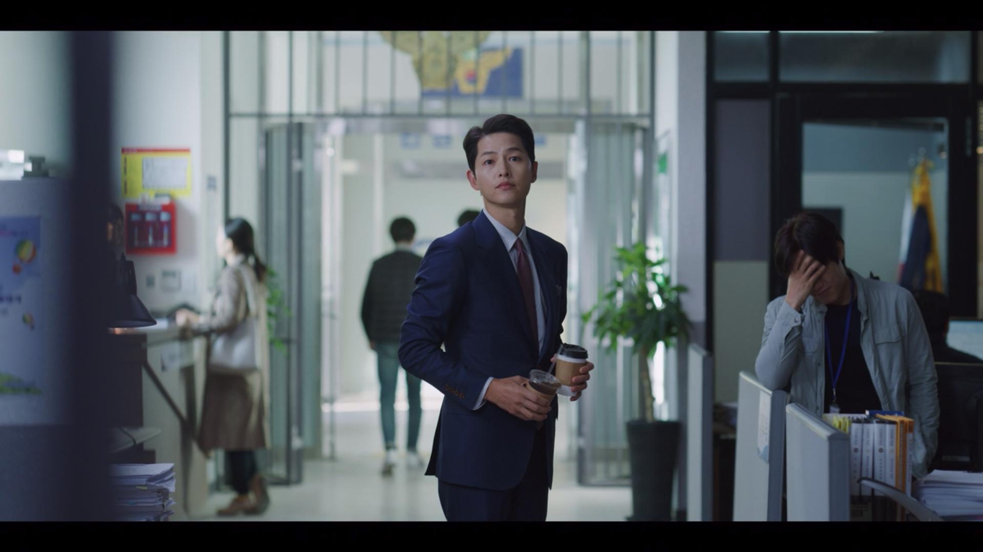 10 Snacks and Drinks You Often See In Korean Dramas: Banana Milk, Tteokbokki, Iced Americano And More