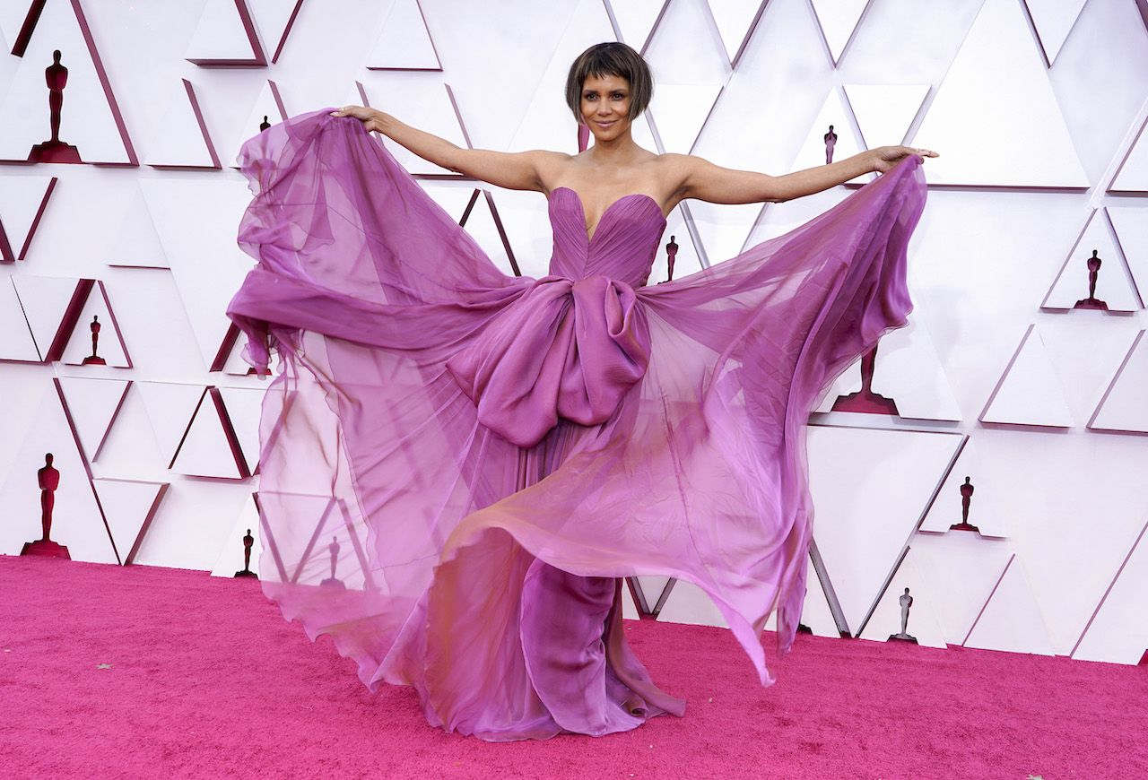 Halle Berry arrives at the Oscars on Sunday, 25 April 2021, at Union Station in Los Angeles. (AP Photo/Chris Pizzello, Pool)