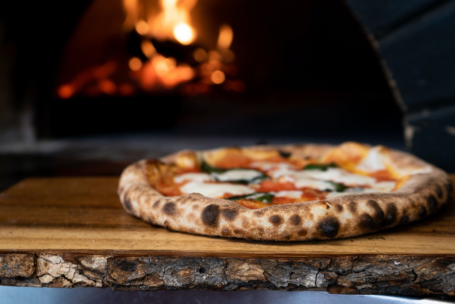 Where to order the best pizzas in makati. Photo by Nik Owens for Unsplash