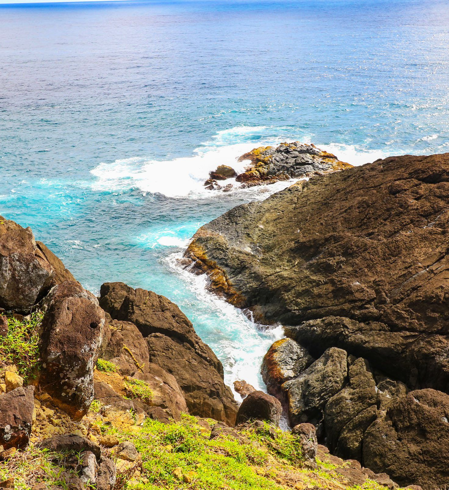 """Also known as the """"Happy Island"""", Catanduanes is home to verdant rolling hills like the scenic Binurong Point"""
