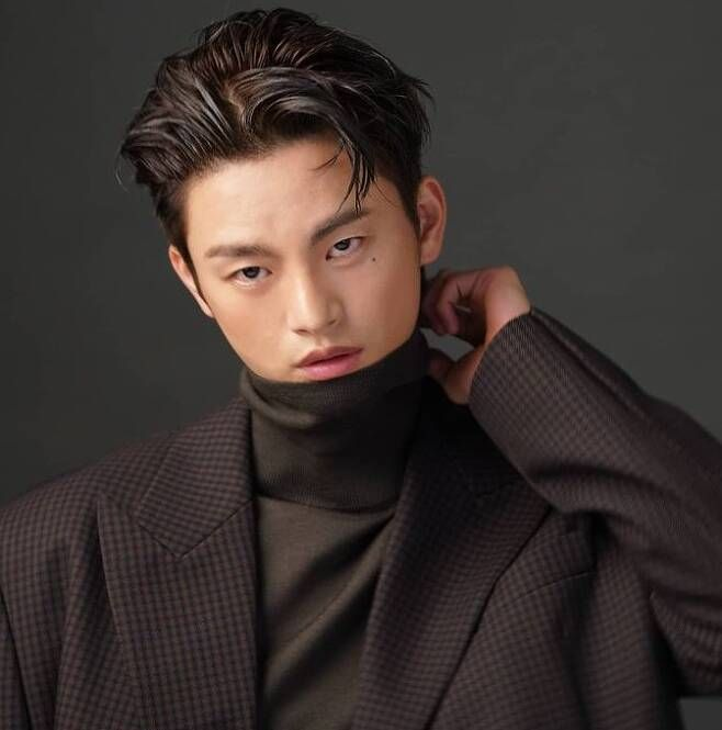 Seo In-Guk: 5 Things to Know About the 'Doom At Your Service' Actor