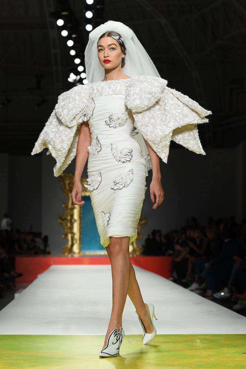 MILAN, ITALY - SEPTEMBER 19: Gigi Hadid walks the runway at the Moschino show during the Milan Fashion Week Spring/Summer 2020 on September 19, 2019 in Milan, Italy. (Photo by Daniele Venturelli/Daniele Venturelli/WireImage )