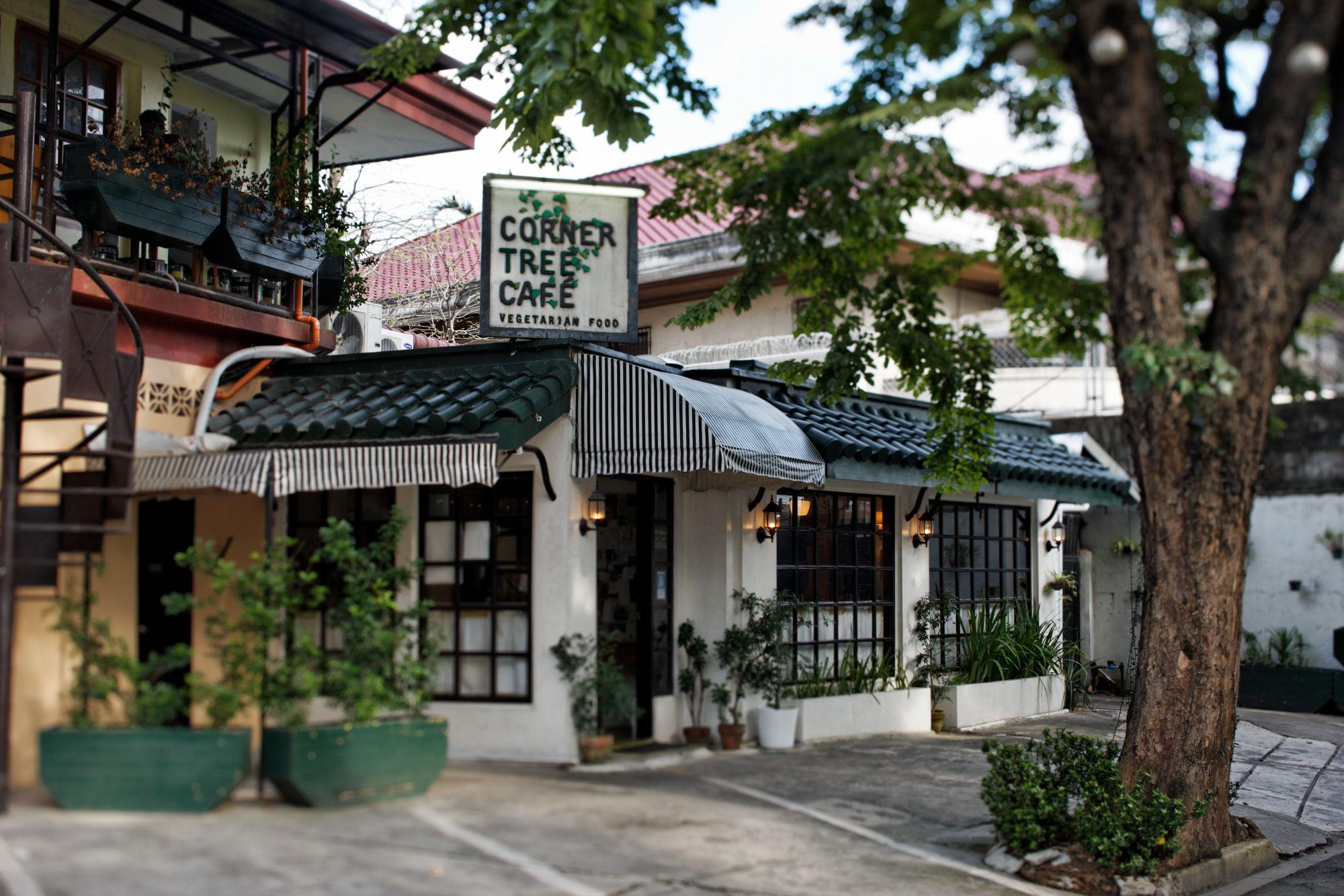 Corner Tree Café on Jupiter St, exterior