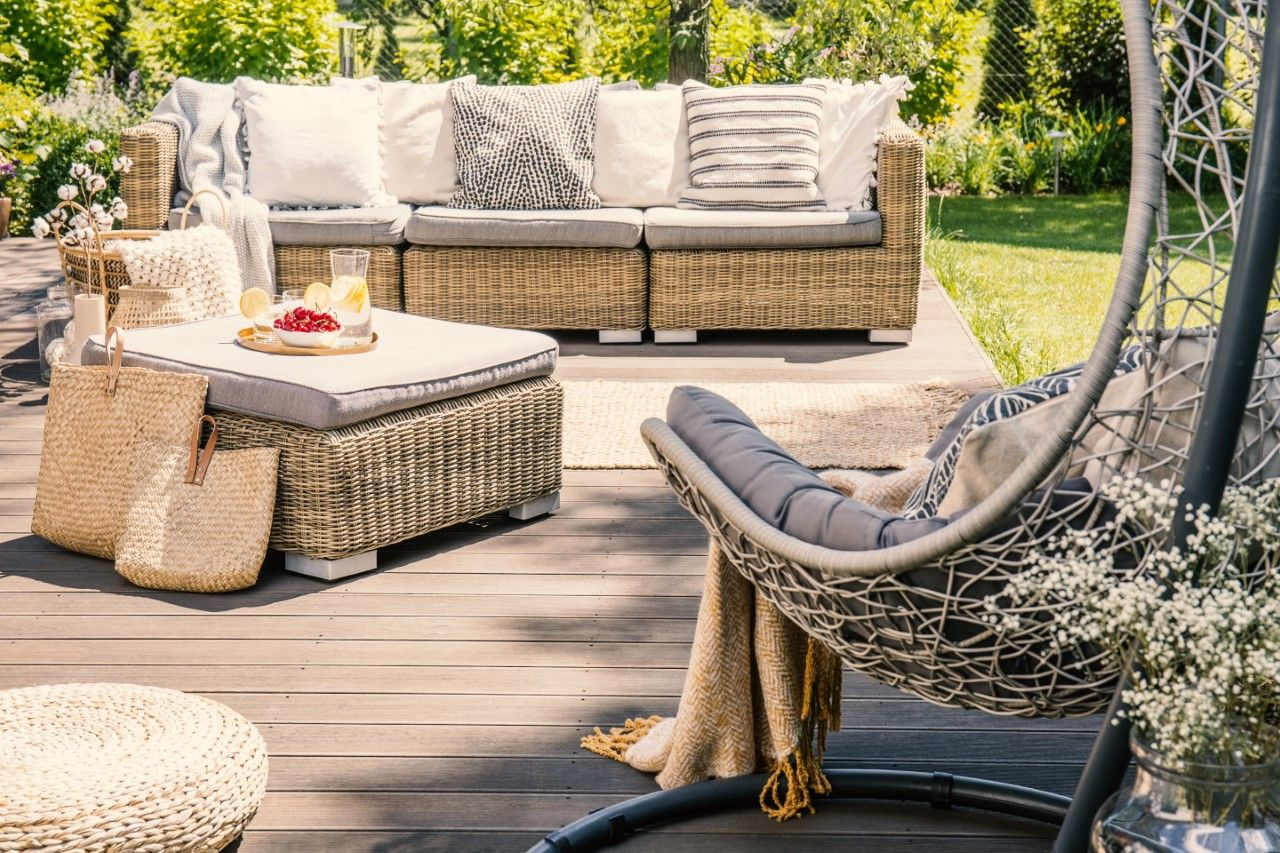 An al fresco setup at home allows one to have more control on their get-together.