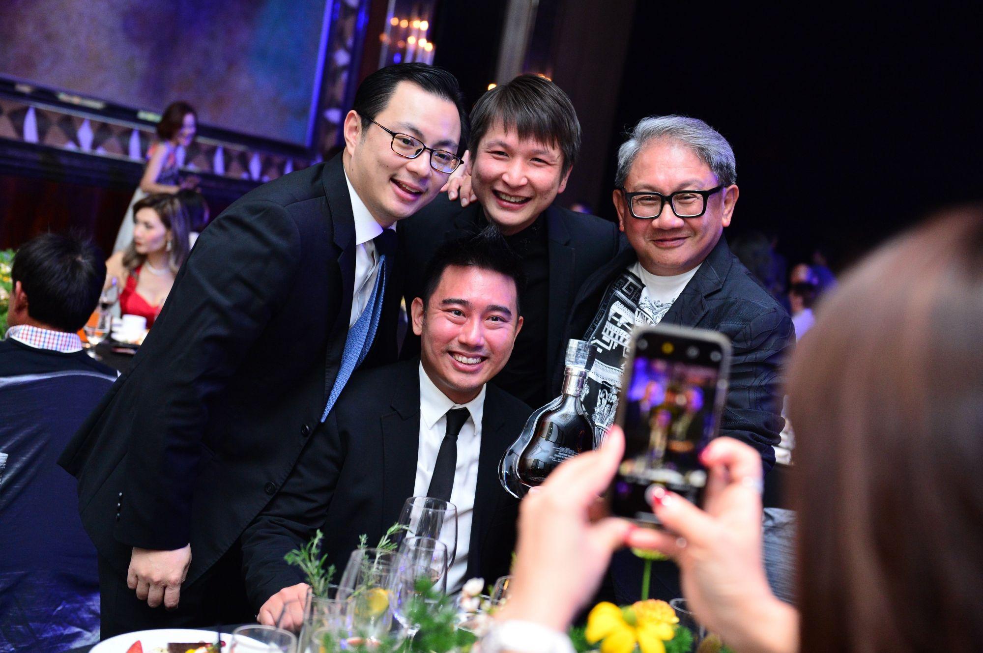 Kenneth Tan, Calvin Chan, Edlan Chua,Mark Poh