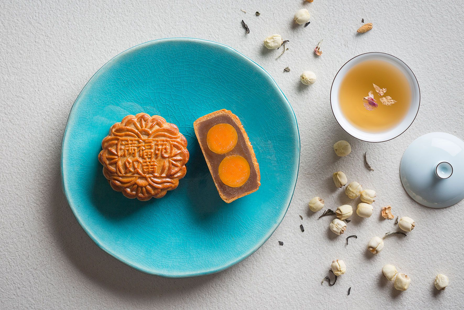 The Art Of Pairing Traditional Mooncakes With Teas