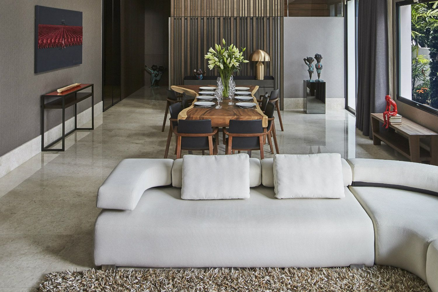Home Tour: A Modern House That Celebrates Art