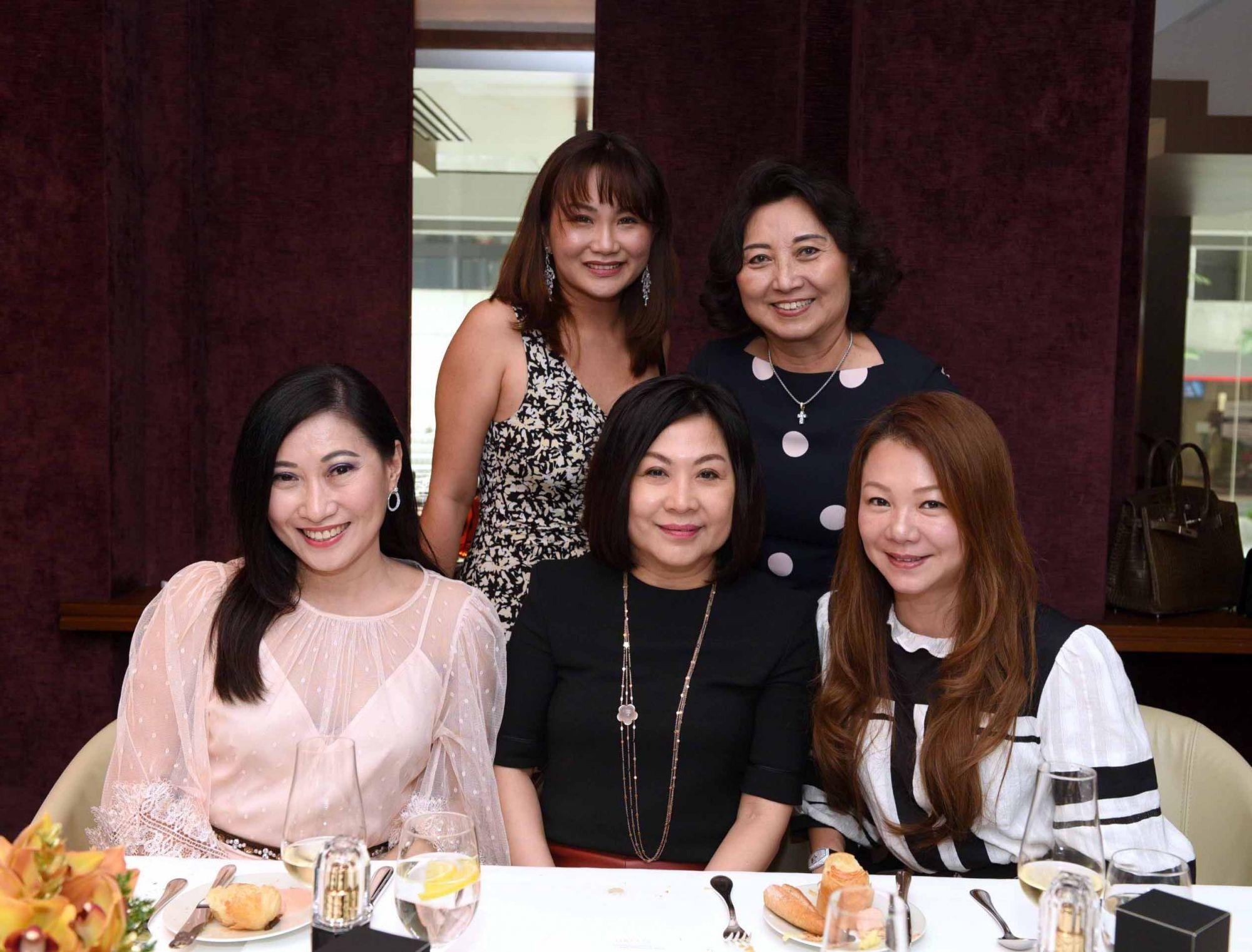 Tan Khar Nai, Selina Low, Llilian Low, Kristine Goh, Angela Ng